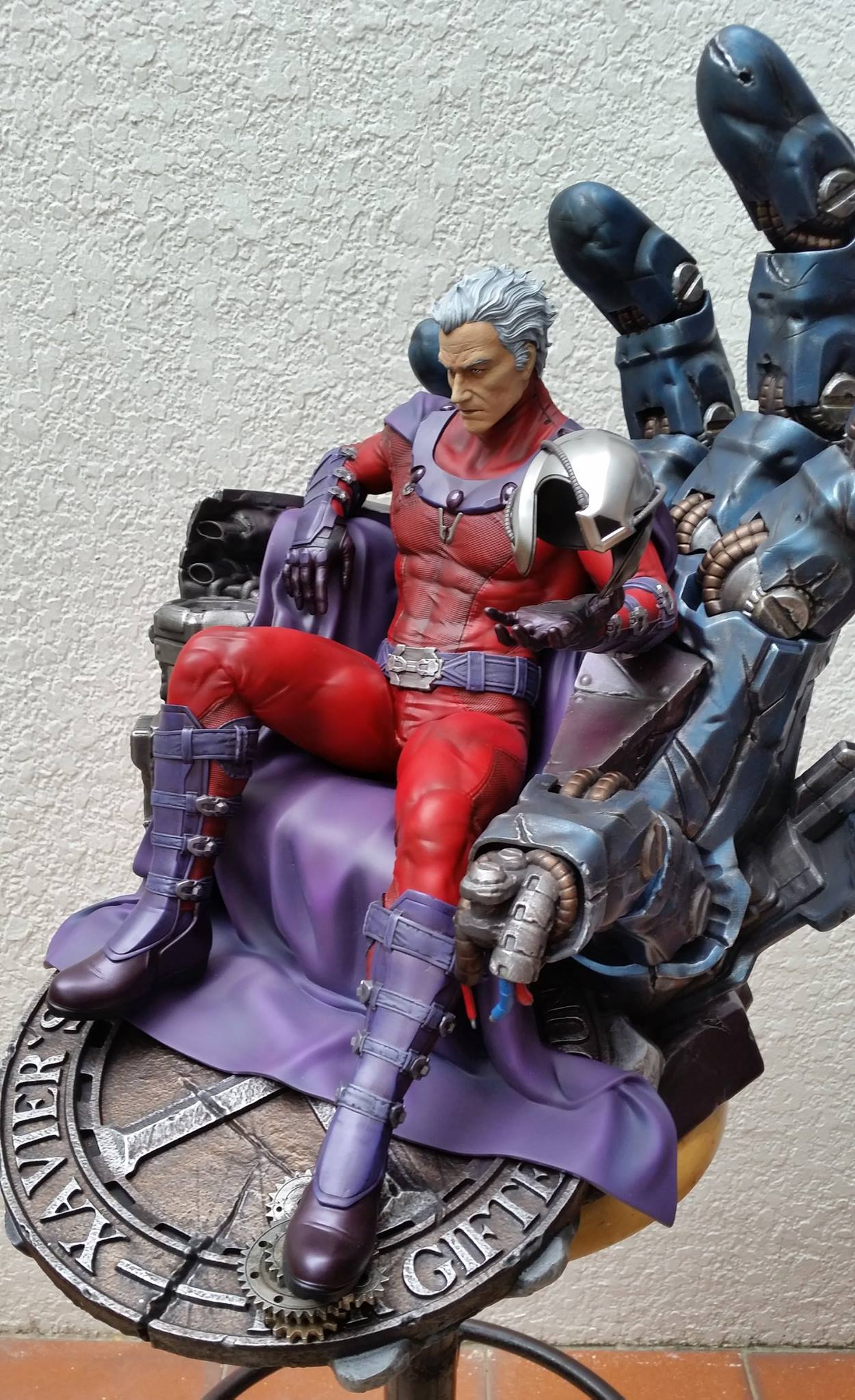 Premium Collectibles : Magneto on Sentinel Throne - Page 5 2110071054355214011596867713935597681774544007048o