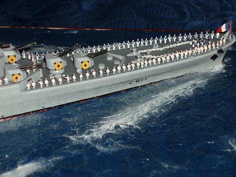 Le Croiseur COLBERT! 213910s24