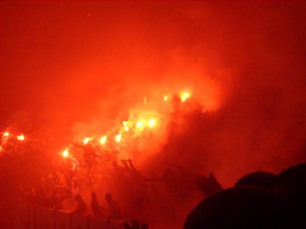 Photos Pyrotechnie (Torches, Pots à Fumée...) - Page 21 215405n737713577_755909_1837