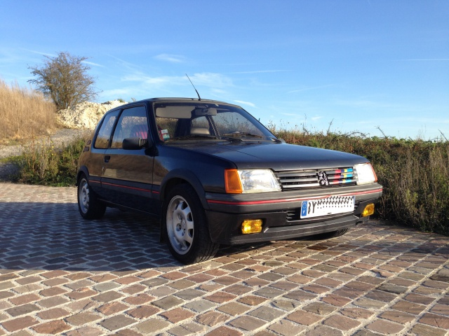 [Dixneuf00] 205 GTI 1.9L Gris Graphite - Page 6 217427IMG0548X