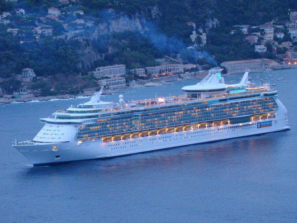 [Vie des ports] Le Port de Nice - Page 2 218509DSC03313