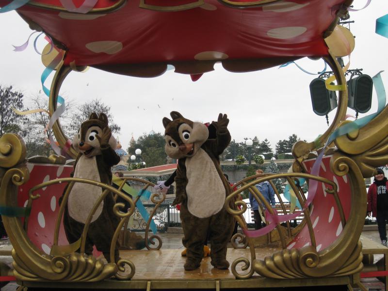 [Disneyland Paris] Disneyland Hotel - chambre Castle Club (8-10 décembre 2010) (début du TR p.9) - Page 10 218616IMG2513