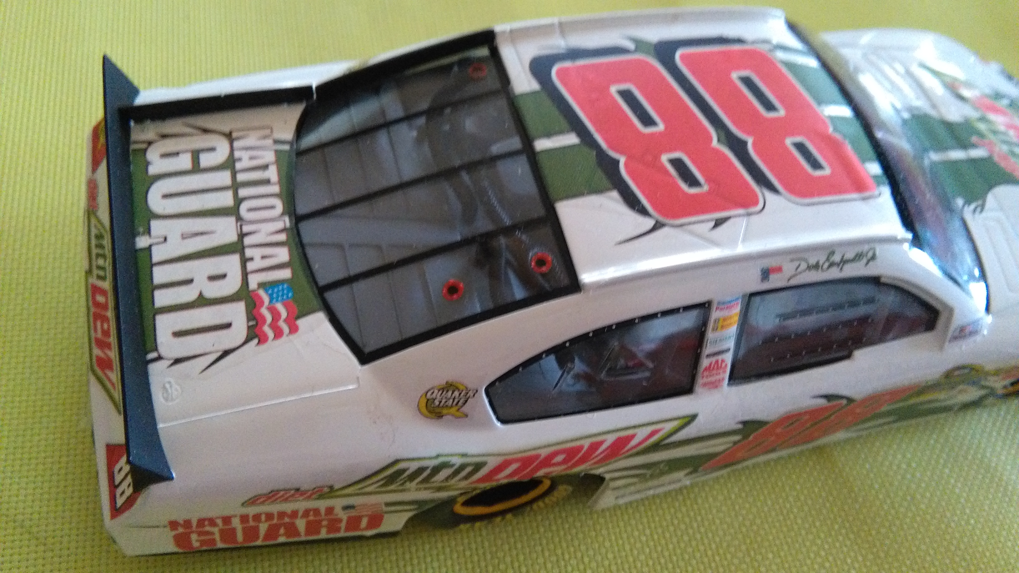 Chevy Impala 2010 #88 Earnhardt jr Mountain dew diet 219510IMG20160320150435