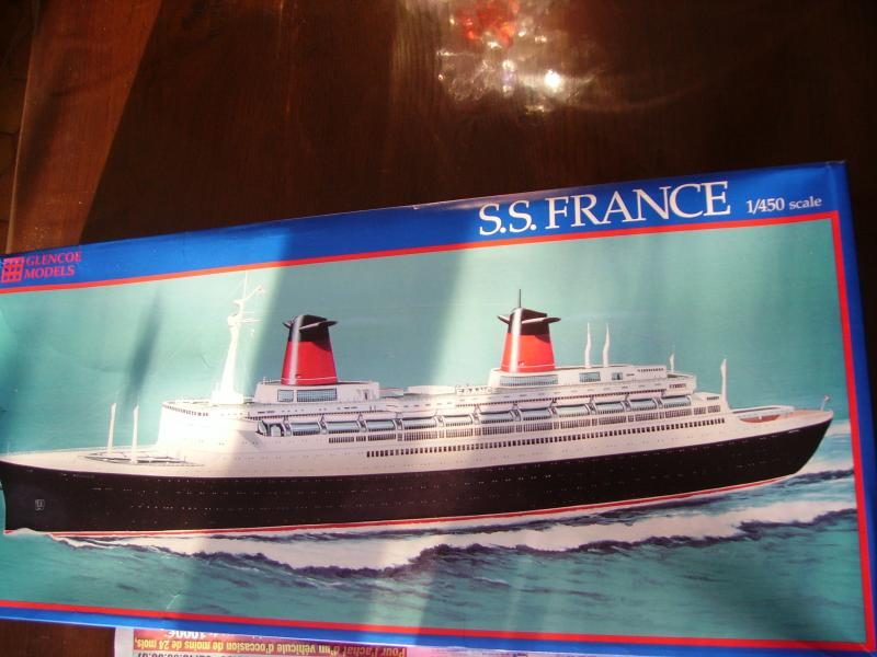 SS France - 1/450 - Glencoe Models 220181IMGP3262