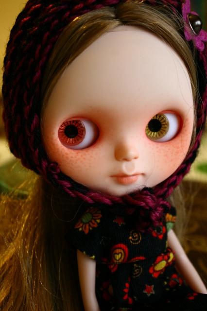 Ma nouvelle miss custo tiina avec ses nouveaux vêtements 221825blythefringues022