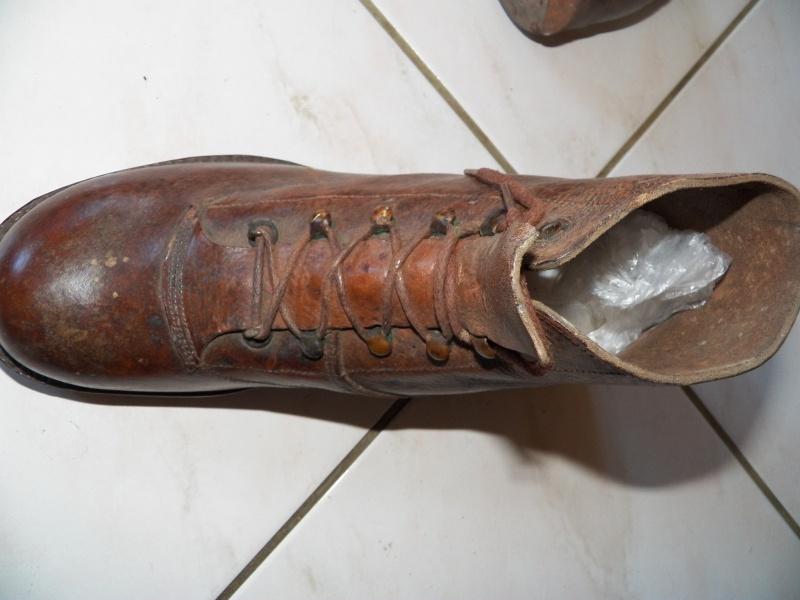 capote, et lot du 159e RIA: caisses mortier, képi, brodequins 2240171050094