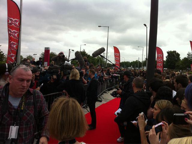 Gary arrive à l'audition de X Factor à Birmingham 1/06/11 2254928q8fv