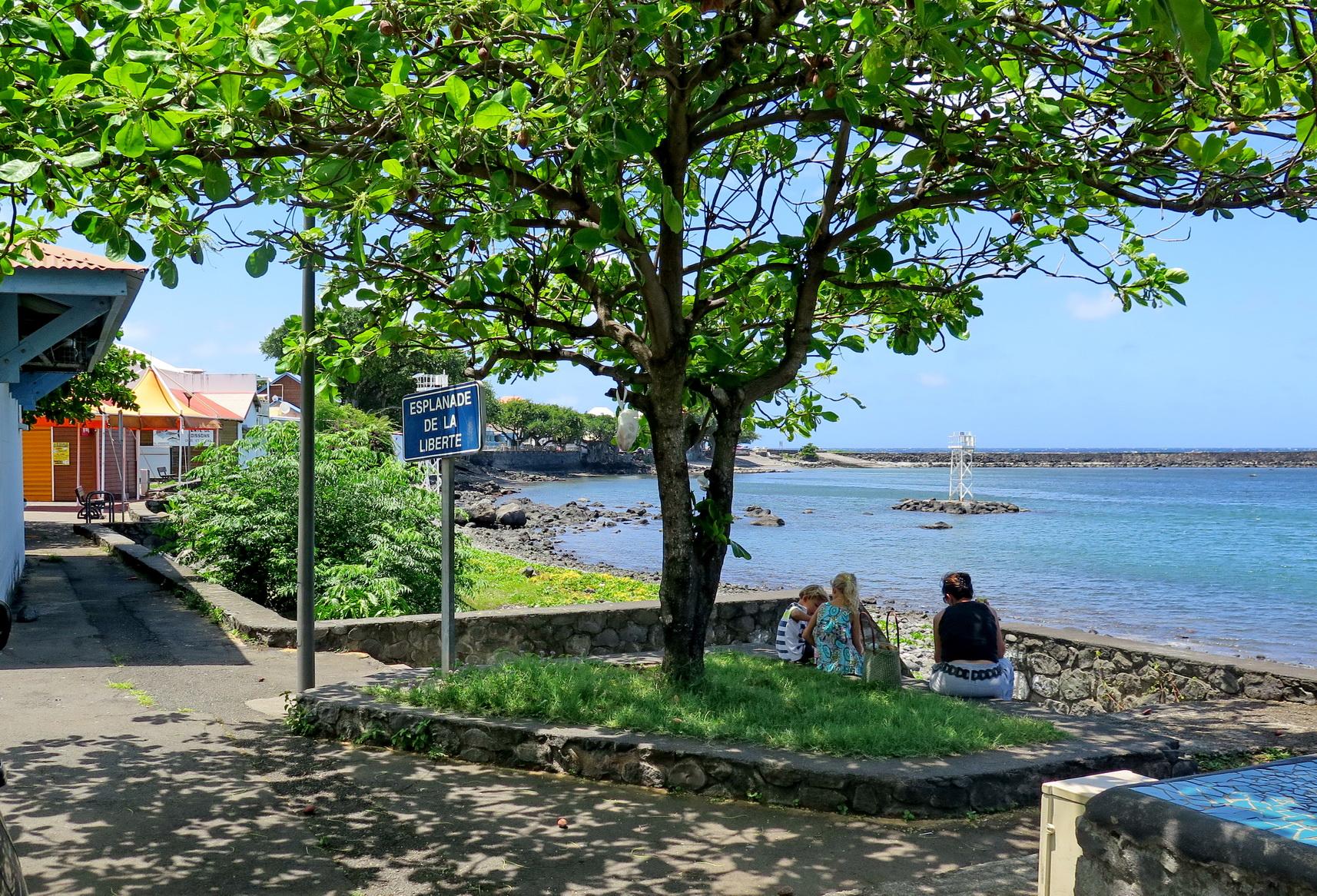 [Vie des ports] Les ports de la Réunion - Page 2 226515IMG0359