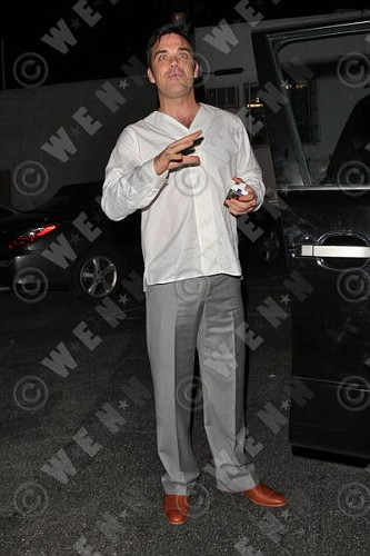 Robbie à Los Angeles 12-01-2011 231685lliams007wenn3164116previewvi