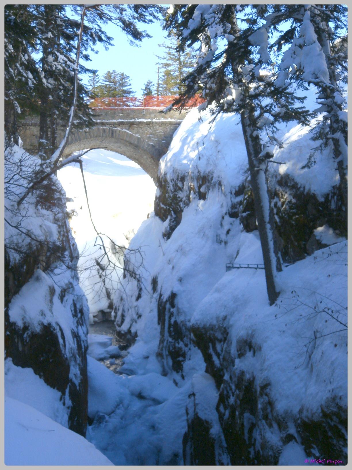 Une semaine à la Neige dans les Htes Pyrénées - Page 2 232492DSC011937