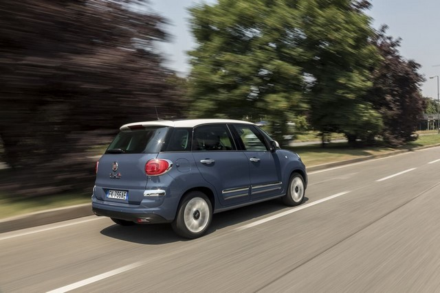 La Nouvelle Fiat 500L 234312nouvellefiat500Llounge4