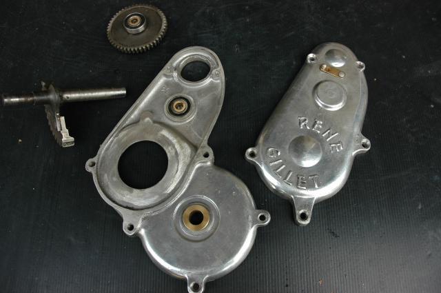 Moto René Gillet 750 type G 1929 - Page 4 235125DSC0847