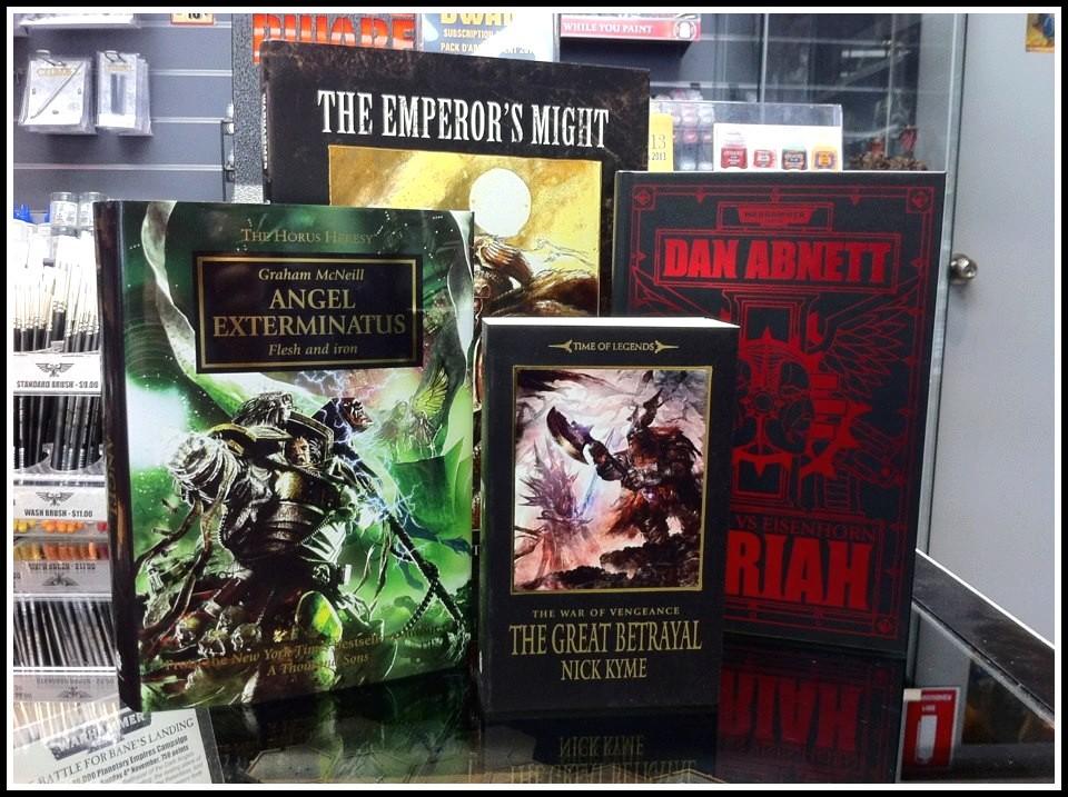 News de la Black Library (France et UK)- Part.2 - 2012 - Page 2 236385rayonblacklib2