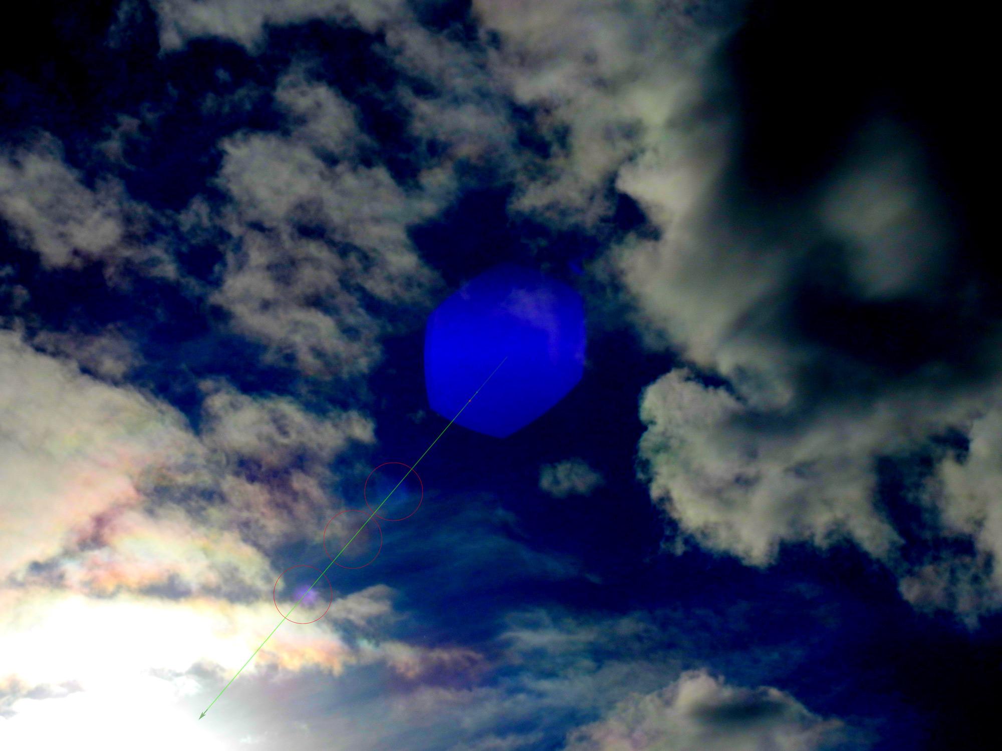 2017: le 09/11 à 14h06 - Lumière étrange dans le ciel  -  Ovnis à Andernos - Gironde (dép.33) 236697pncSflNvj