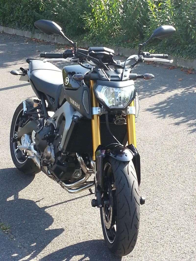 Photos de toutes les Yamaha MT-09 du forum ! :) - Page 25 236801YELD