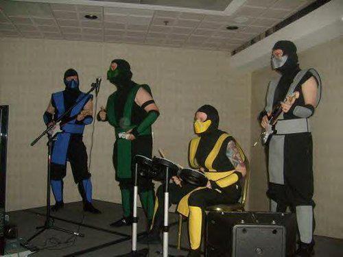 Cosplay Mortal Kombat  236898384164160855890676818100002572240268282354481688056n