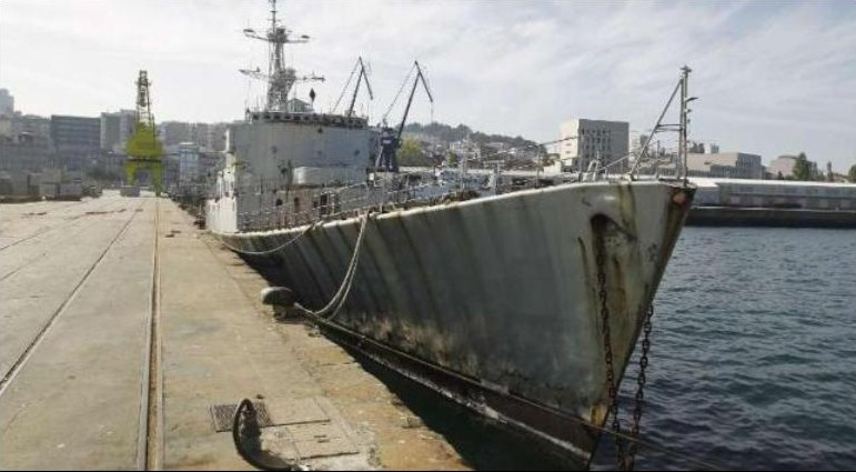 [Autre sujet Marine Nationale] Démantèlement, déconstruction des navires - TOME 1 - Page 38 237065excdtRiv