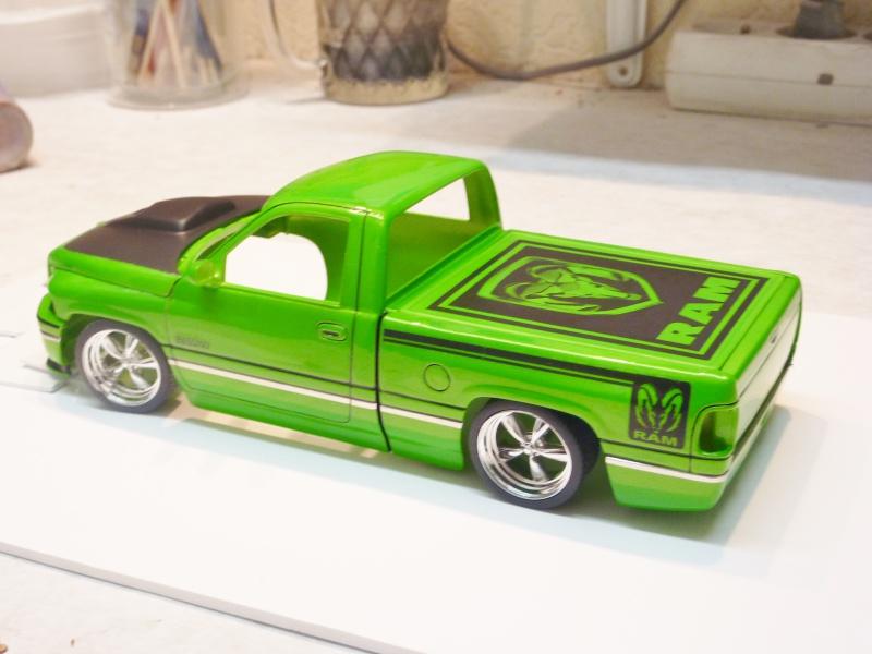 Dodge RAM protouring [terminé] 240960vernisDODGERAM005