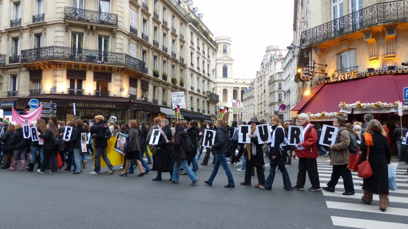 13 - Marche Contre La Fourrure - Paris 24 novembre 2012. 241879P1010261