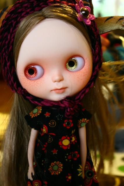 Ma nouvelle miss custo tiina avec ses nouveaux vêtements 247066blythefringues001