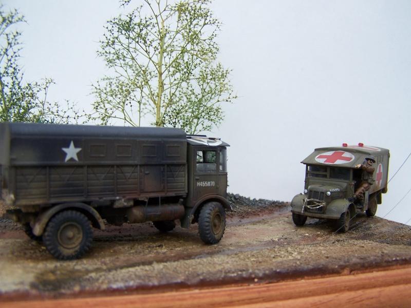 """AEC Matador et Ambulance Austin K2 """"au détour d un chemin"""" 251421MatadorAustinK2029"""
