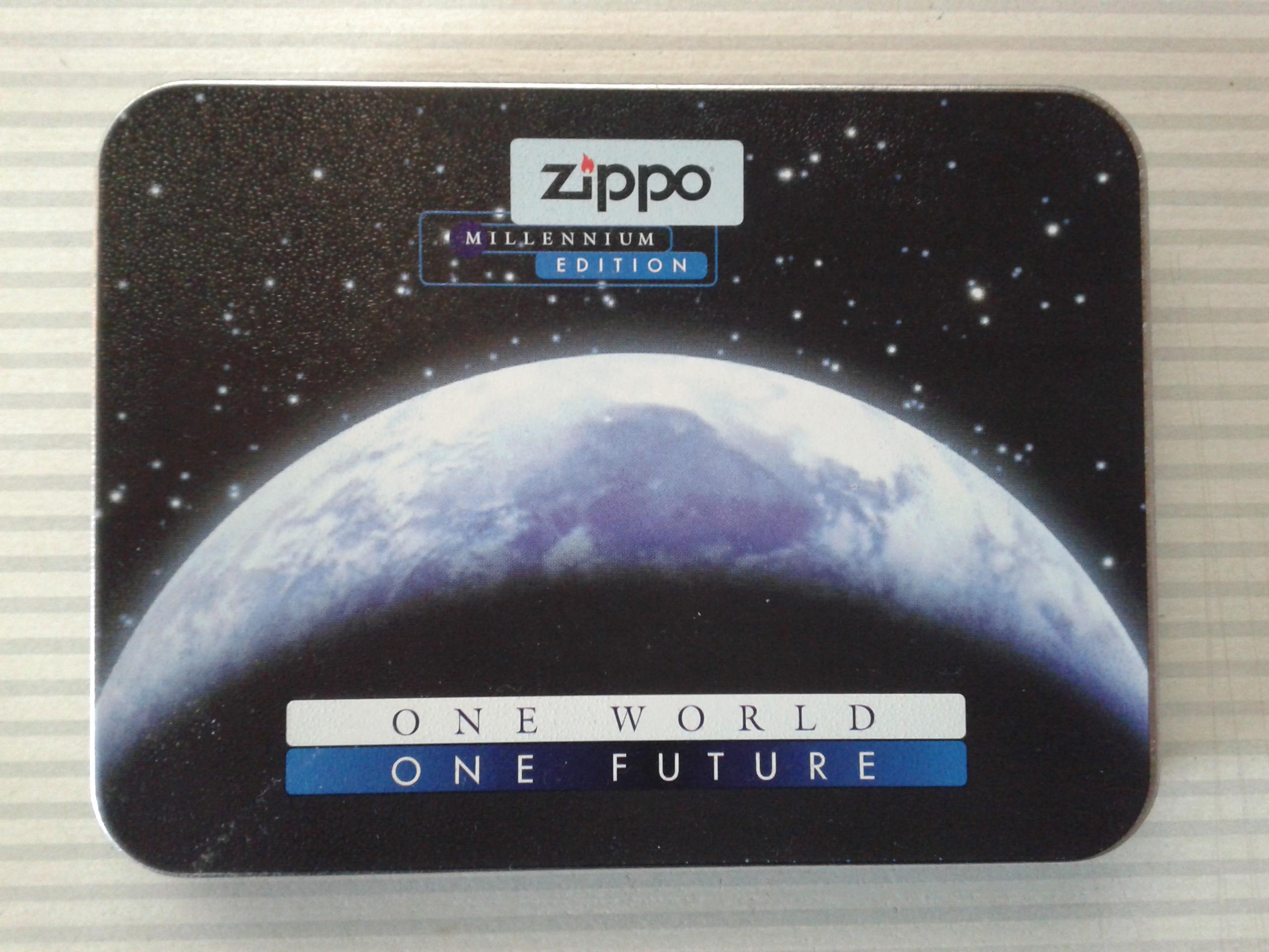 Les boites Zippo au fil du temps - Page 2 251617Titanium3