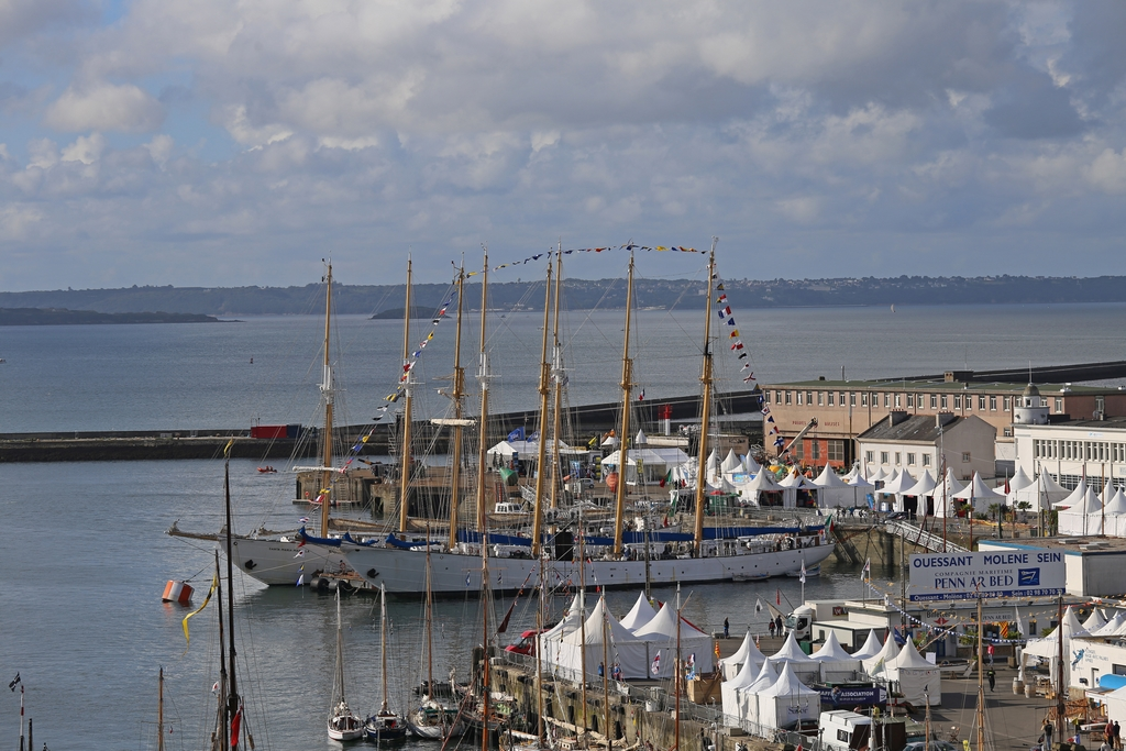 A l'occasion des Fêtes maritimes de Brest 2016 251758re548313072016083524