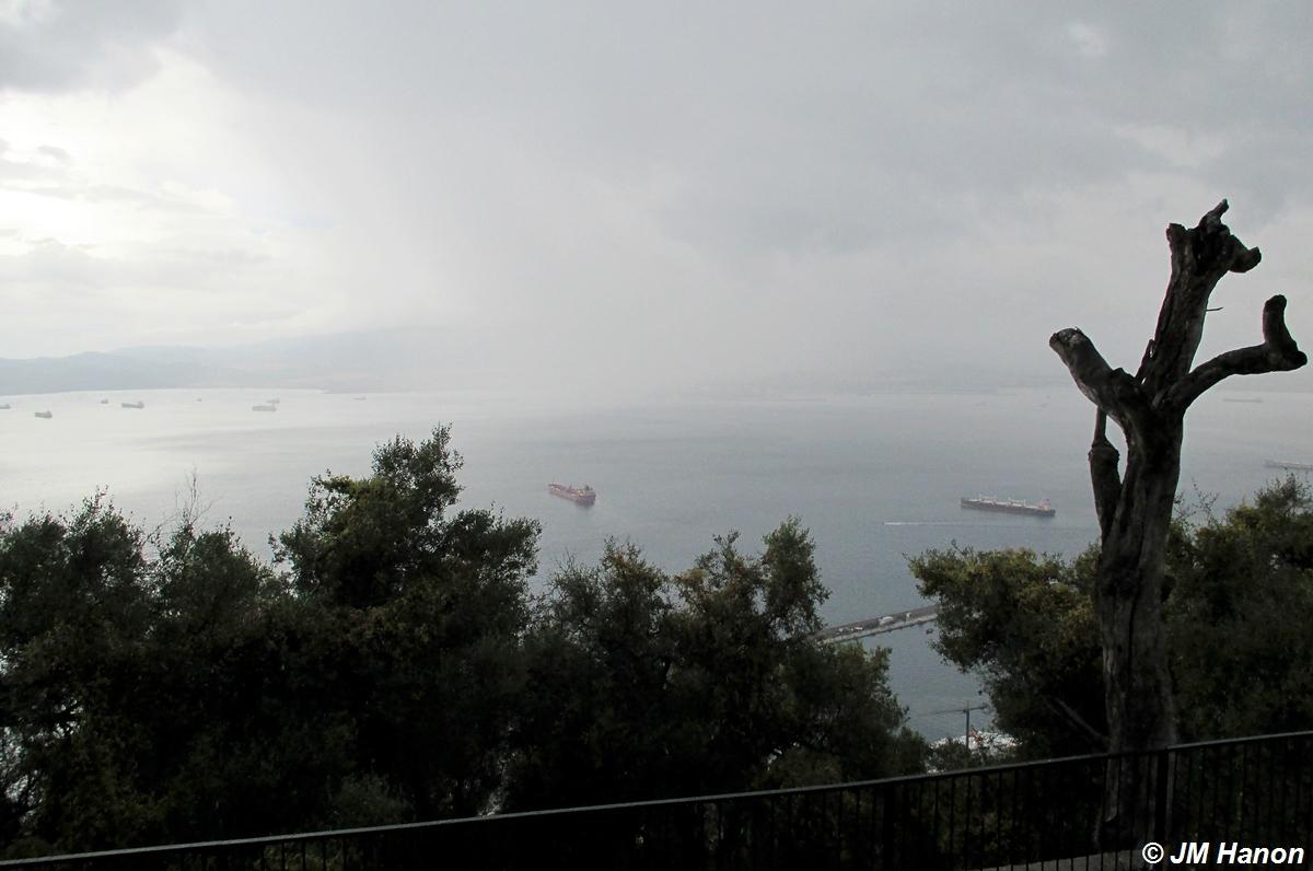 Gibraltar... sous la pluie. 252952033GF