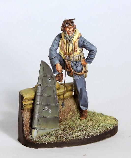 """""""Le trophée"""" (pilote RAF WWII 1/32) 253361IMG2914"""