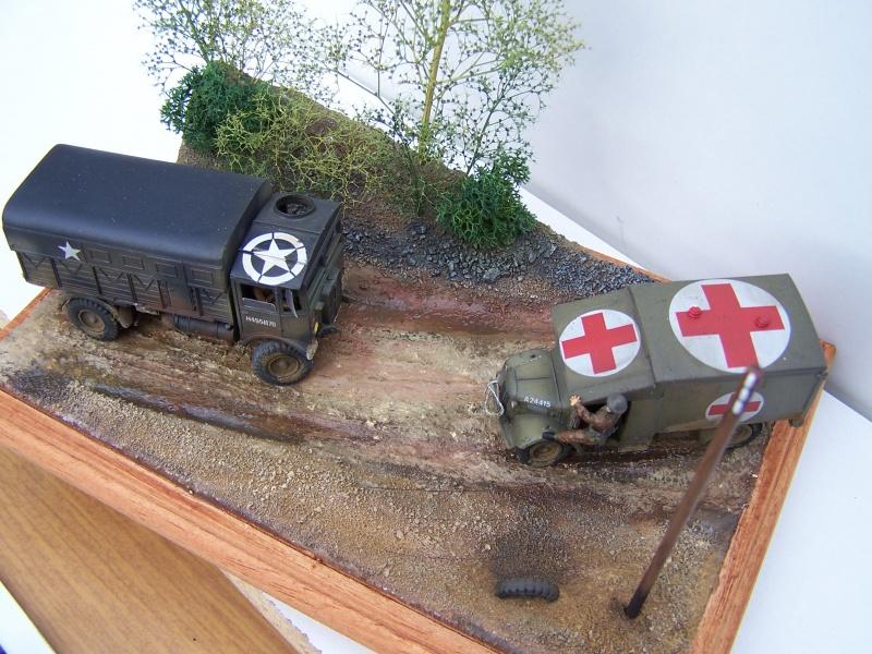 """AEC Matador et Ambulance Austin K2 """"au détour d un chemin"""" 254693MatadorAustinK2030"""