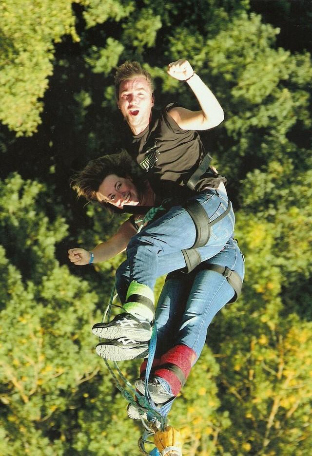 saut à l'elastique - Johnny et Steli 256040johnnyetsteli5