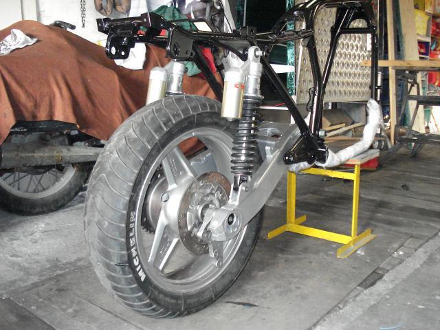 Restauration et modification  Z650 256886DSC03583