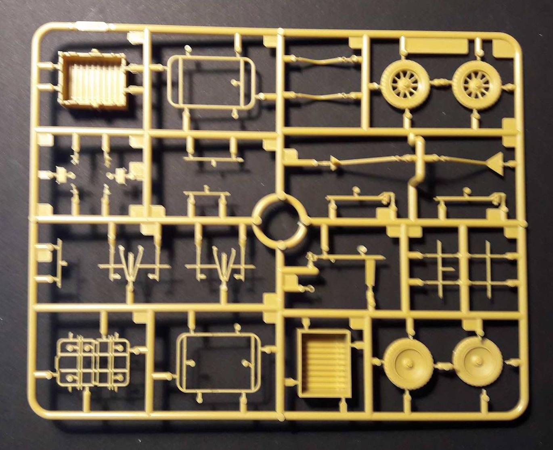 Zündapp KS750 - Sidecar - Great Wall Hobby + figurines Alpine - 1/35 258251ZundappBox1