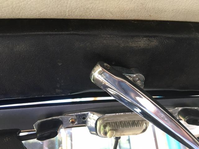 Problème de réglage capote KG cabriolet 1967 258537IMG5470