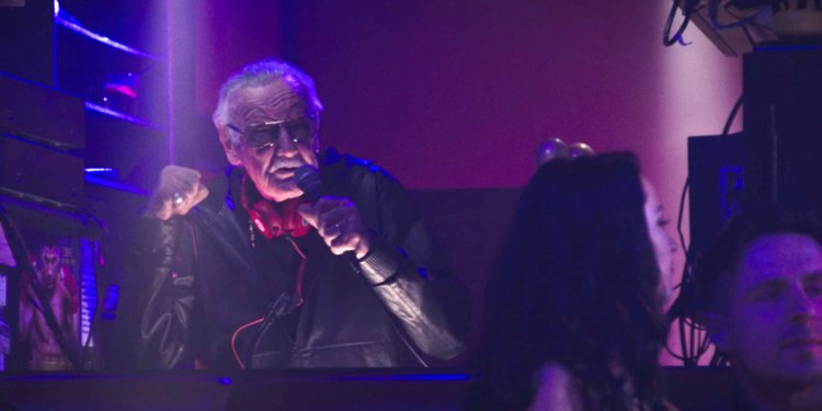 Stan Lee -  - Page 2 26146057ee96f7ad76211d008b45bb750375