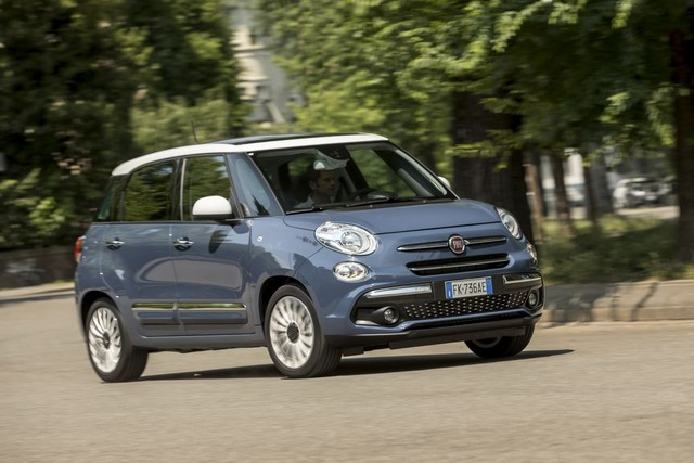 La Nouvelle Fiat 500L 265628nouvellefiat500Llounge5