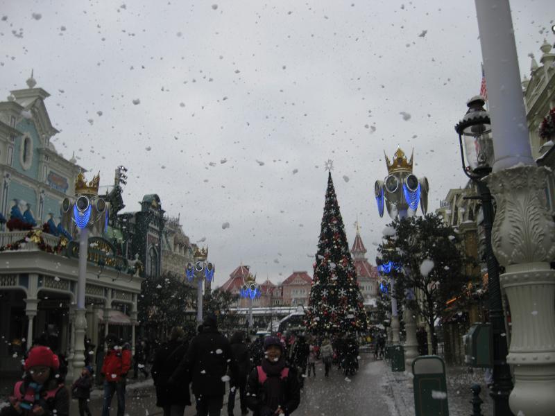 [Disneyland Paris] Disneyland Hotel - chambre Castle Club (8-10 décembre 2010) (début du TR p.9) - Page 10 267508IMG2501
