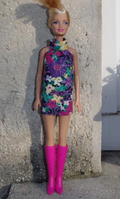 Couture et miniatures pour barbies, MH, muses!^^ 269785810180robefleursbottesroses2