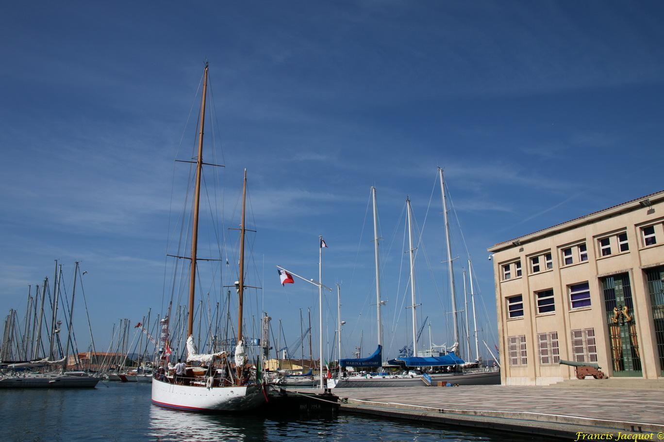 [ Marine à voile ] Voiliers Ecoles de la Marine Italienne 2698797401