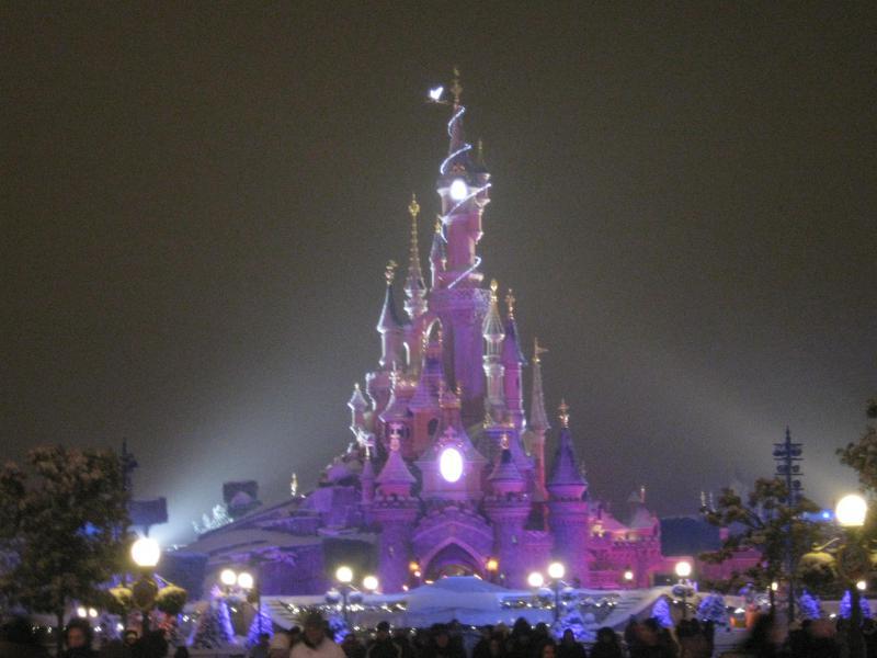 [Disneyland Paris] Disneyland Hotel - chambre Castle Club (8-10 décembre 2010) (début du TR p.9) - Page 8 272653IMG2074