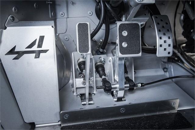 Alpine A110 Cup : une authentique voiture de course, taillée pour les plus grands circuits européens 282975211986882017AlpineA110Cup
