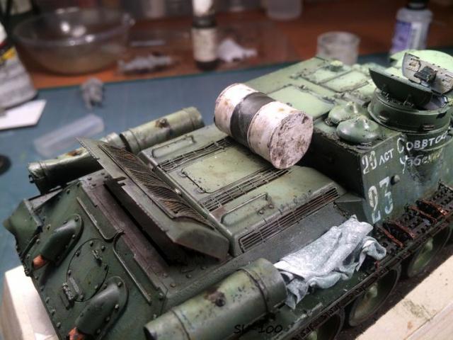 SU-100 marque Dragon 1/35 - Page 2 283838IMG3905