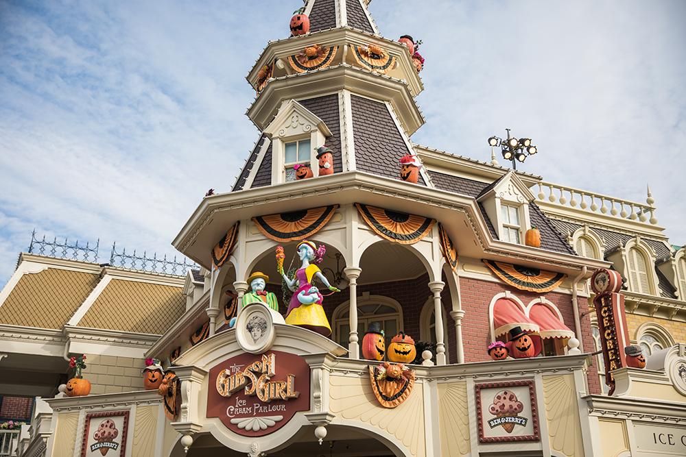 TR: Séjour en famille du 23 au 29 octobre 2016 - Disneyland Hôtel (Castle Club) - Page 2 286939decodl5d4