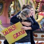 Free Hugs (Câlins gratuits) 288466vuxX150