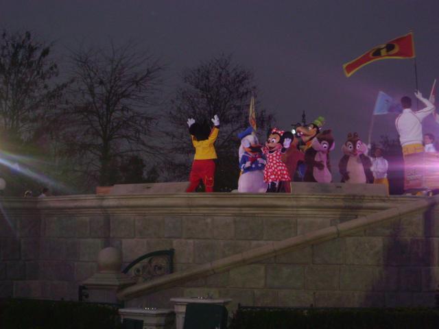 [Disneyland Paris] Premier séjour au DLH (31 janv.-2 fév. 2011) + un anniversaire inoubliable ! - Page 4 290384246