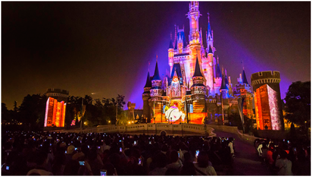 [Tokyo Disneyland] Nouveau spectacle nocturne : Once Upon a Time (29 mai 2014)  - Page 4 290608on2