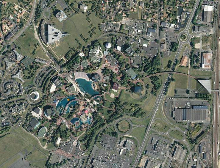 Réflexion sur un deuxième parc sur l'eau 291727futuroscope