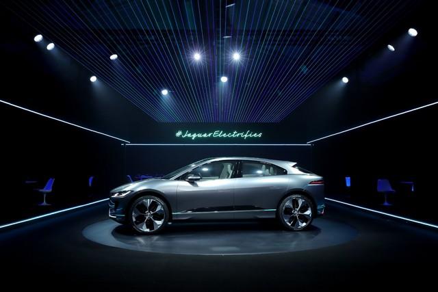 Jaguar Dévoile Le Concept I-PACE : Le SUV Électrique Performant 298010jagipacevrevent141116004resize1024x682