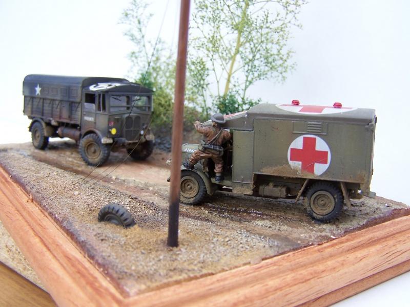"""AEC Matador et Ambulance Austin K2 """"au détour d un chemin"""" 298527MatadorAustinK2035"""