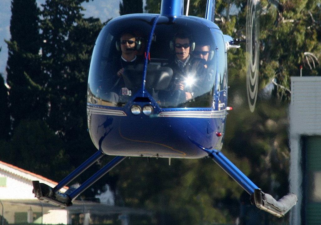 VOL en Robinson R44 autour de LFMD Cannes-Mandelieu 299878IMG0776